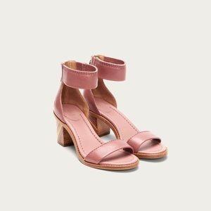 FRYE Brielle Bias Zip Patent L.Heeled Sandals